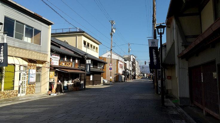 大野市内(七間朝市通り)